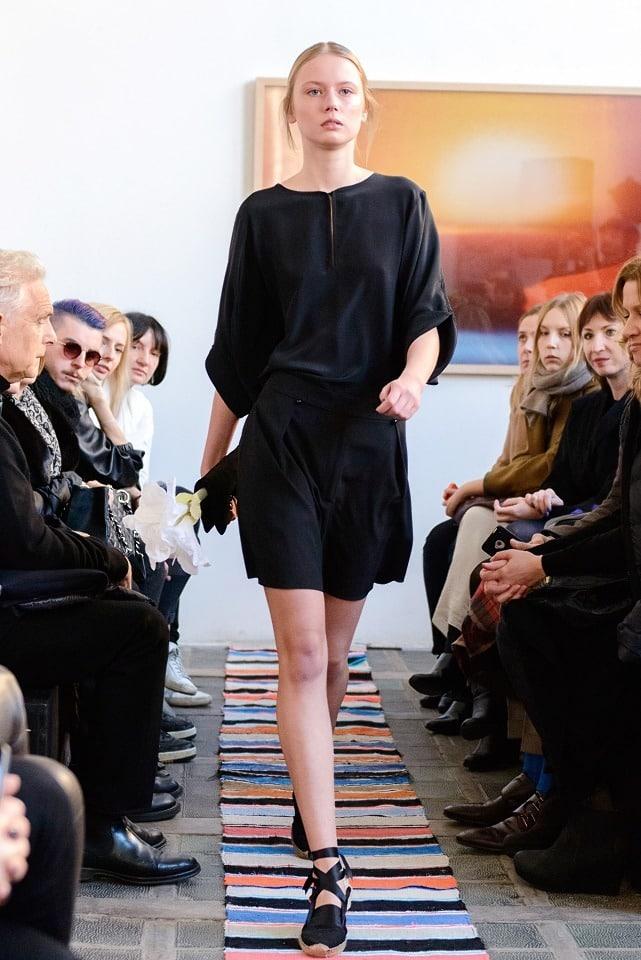 ania_kuczynska_ss_2014_illuminate_runway_show_26