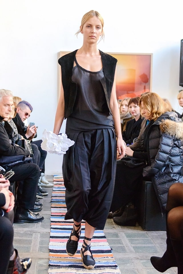 ania_kuczynska_ss_2014_illuminate_runway_show_7