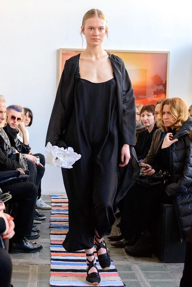 ania_kuczynska_ss_2014_illuminate_runway_show_9