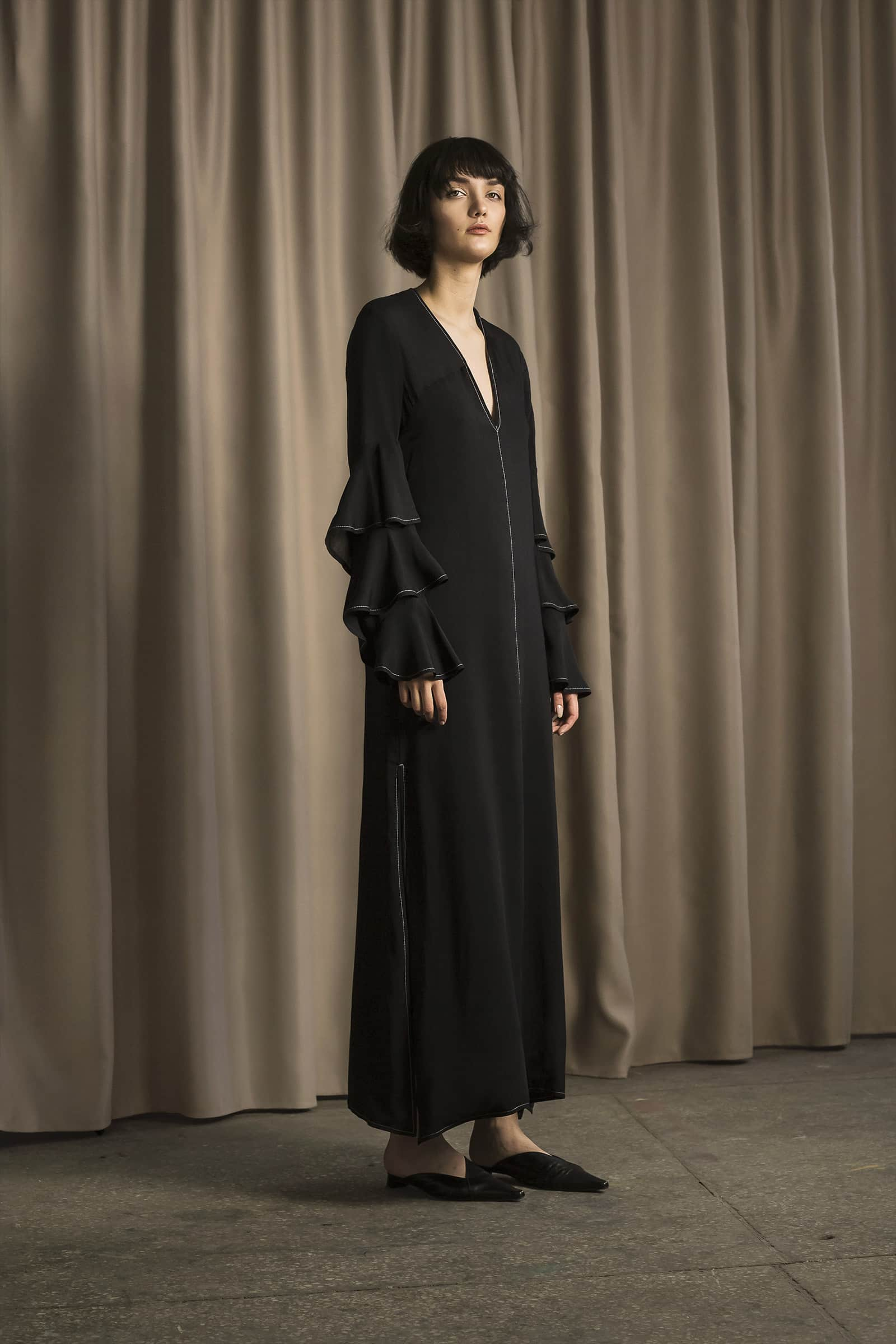 sukienka-maxi-z-falbanami_cyvonyuk_lookbook_C_02