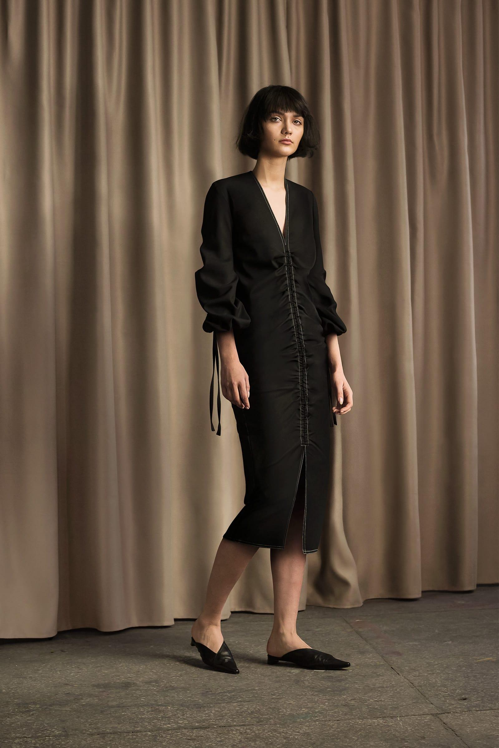sukienka-z-marszczeniem_cyvonyuk_lookbook_C_02