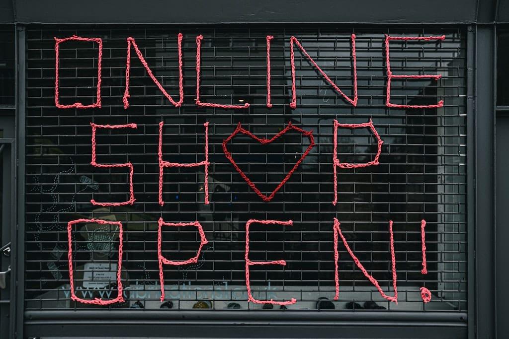 Jak nie dać się złapać? Mini przewodnik po zakupach w internecie.